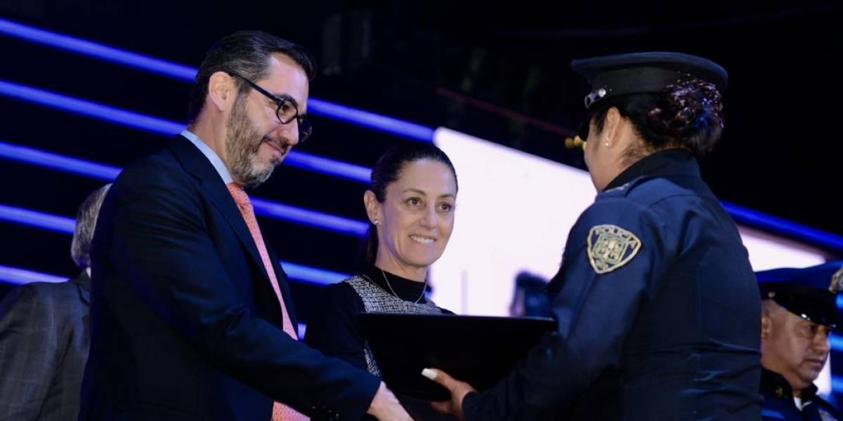 Promete Sheinbaum 500 mil pesos al policía del año