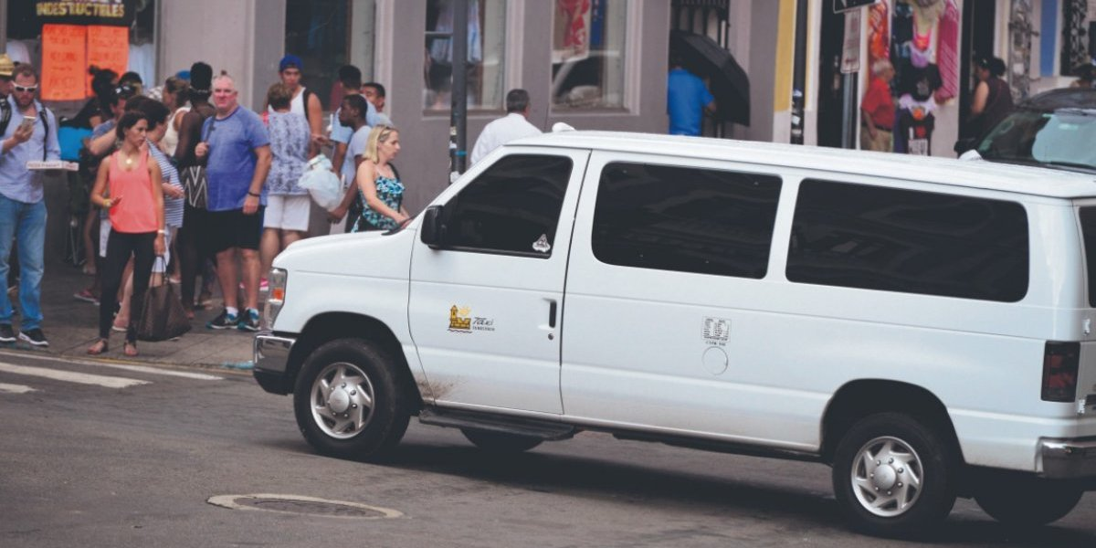 Denuncian caos en servicios a transportistas