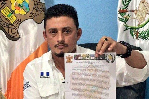 Alcalde Roberto Marroquín