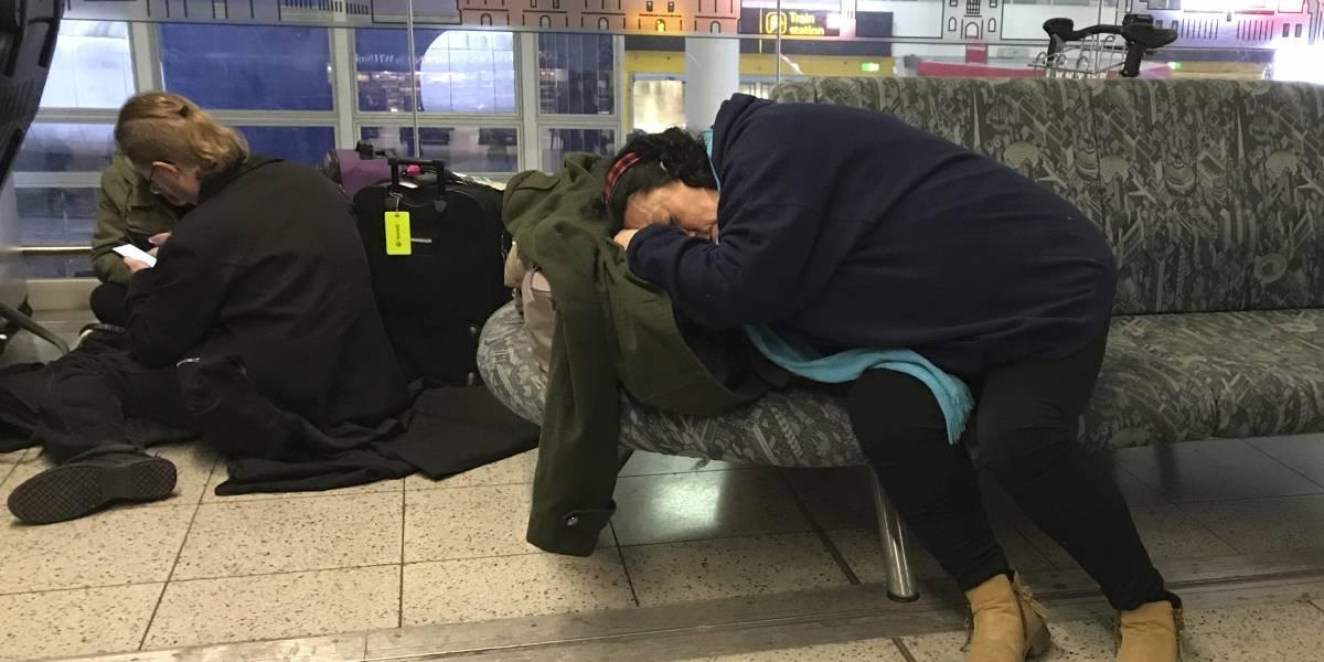 Dos detenidos por volar drones en el aeropuerto de Gatwick, en Reino Unido