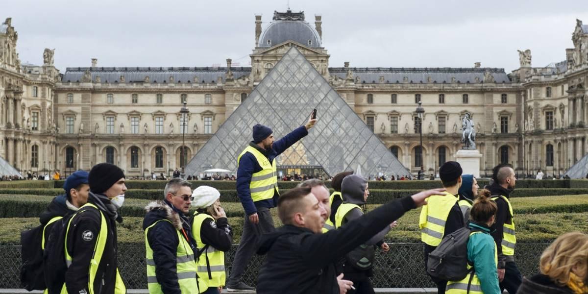 """Protestas de los """"chalecos amarillos"""" surgen en Francia, Bélgica y Portugal"""