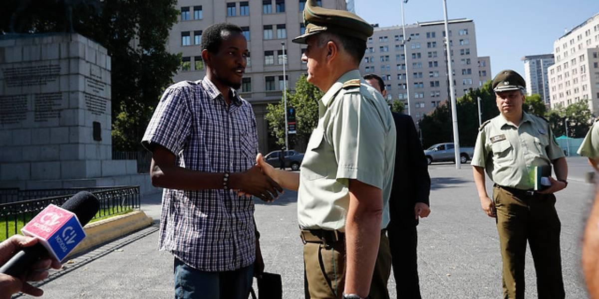"""""""Estamos con todo el 'power' para hacer las cosas bien"""": el mensaje del general Mario Rozas en su primer día a cargo de Carabineros"""