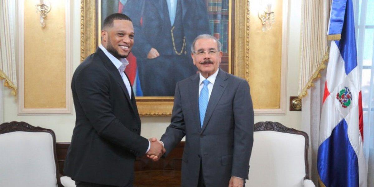 Robinson Canó visita a Medina en el Palacio Nacional