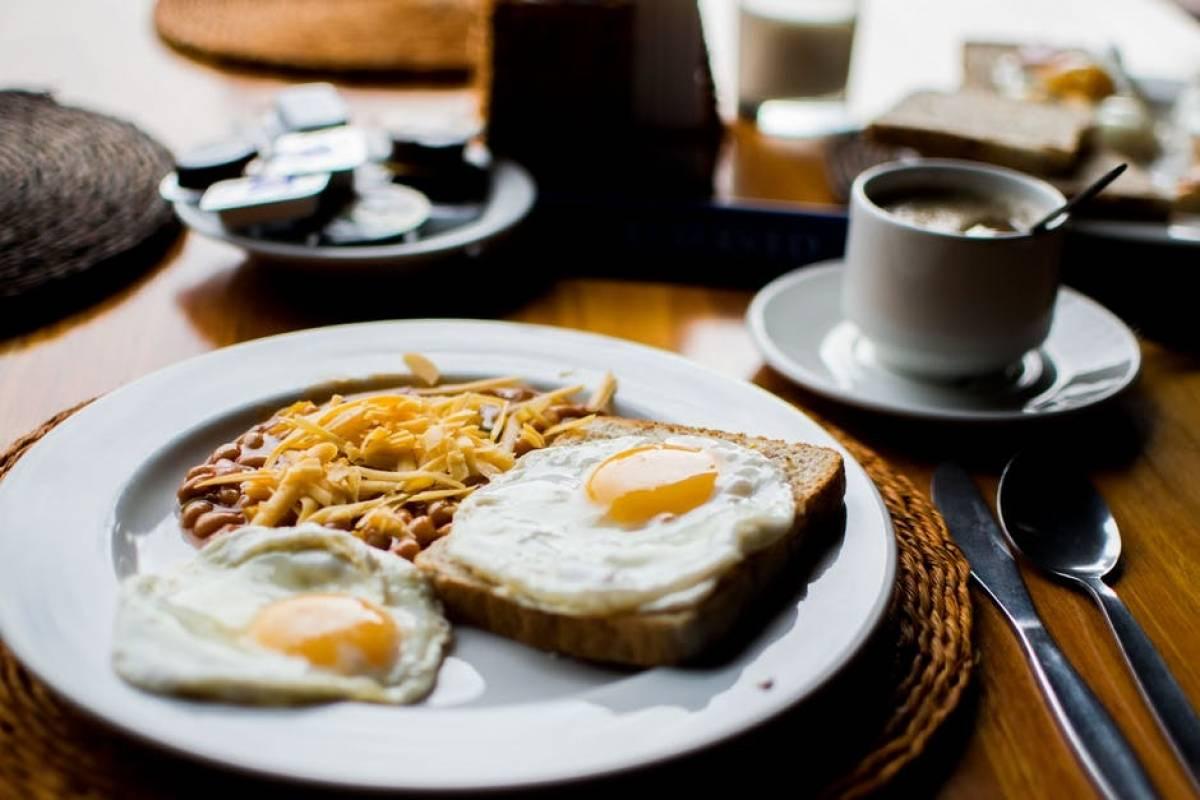 7 alimentos ricos en colesterol que sí puedes consumir ...