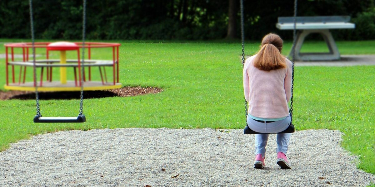 Científicos determinan a qué edad las personas sienten más soledad