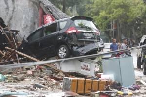 Tsunami en Indonesia: Imágenes de la devstación que 'provocó' la erupción de un volcán