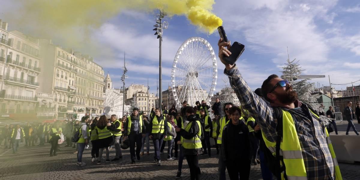 Chalecos amarillos disminuyen su fuerza en las calles de París