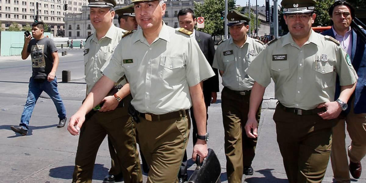 """General Mario Rozas y la crisis que atraviesa Carabineros: """"Creo que faltó ejecutar acciones y se dejaron de hacer otras"""""""