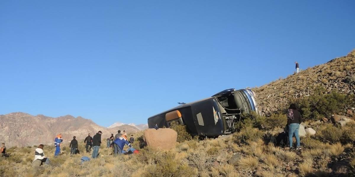 """Buses Ahumada y accidente en Mendoza que dejó tres víctimas fatales: """"iban dos conductores que mantenían sus descansos legales"""""""