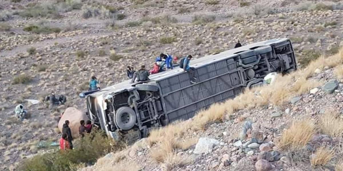 Accidente de bus chileno en Mendoza: víctimas fatales viajaban a pasar la Navidad en familia en Uruguay