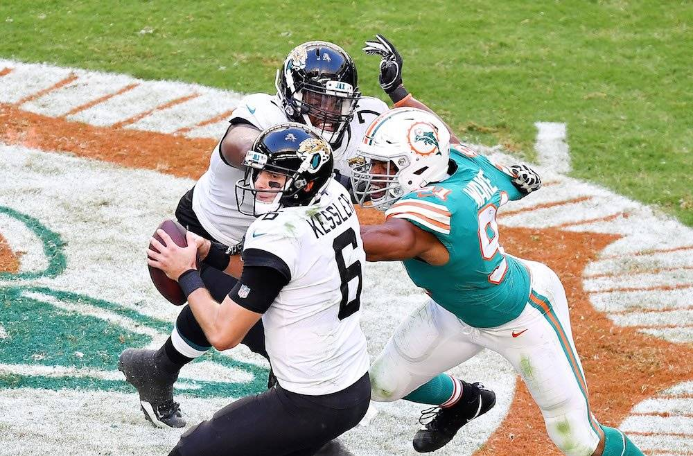Jaguars 17-7 Dolphins / Getty Images