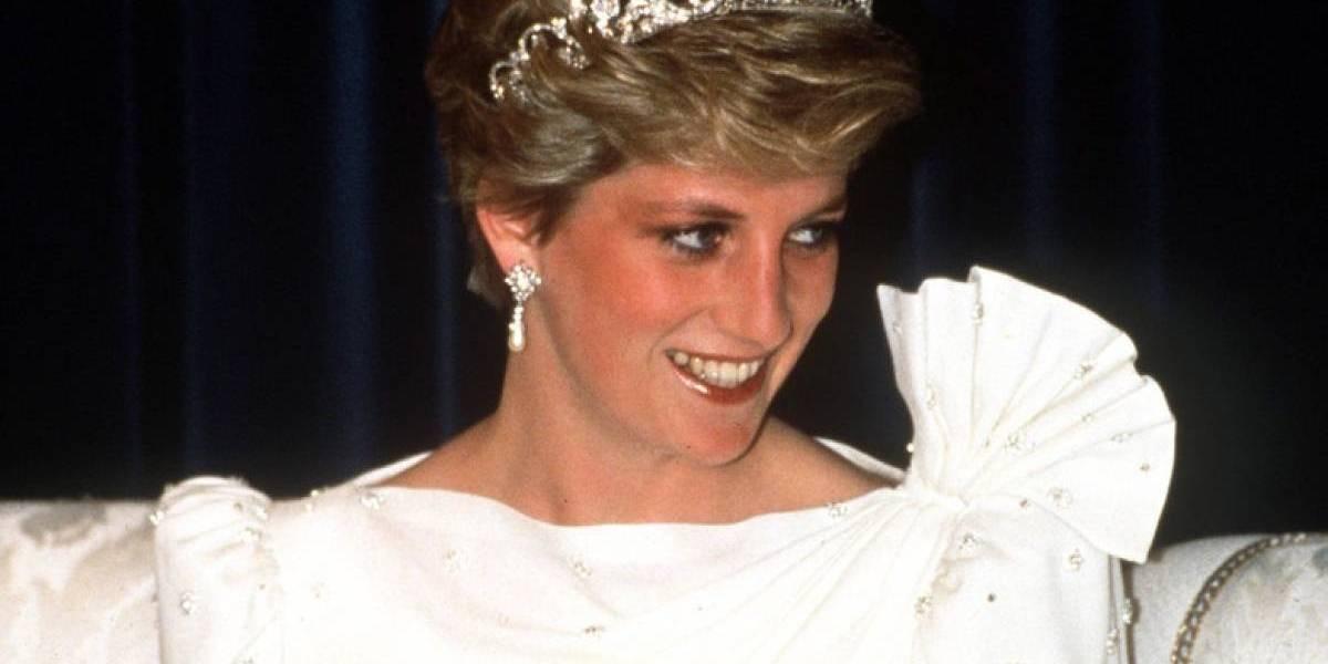Famoso vestido de la princesa Diana fue encontrado en una tienda de segunda mano
