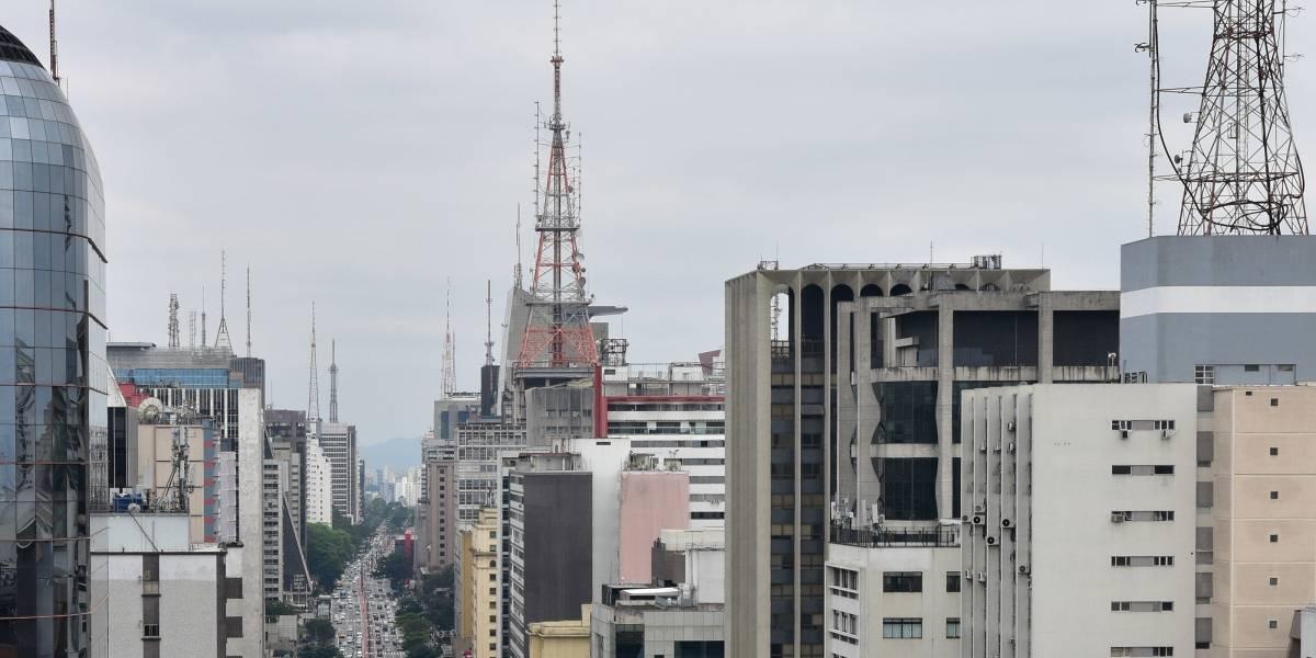 Previsão do tempo: Céu nublado e chuva marcam a terça de Natal em São Paulo