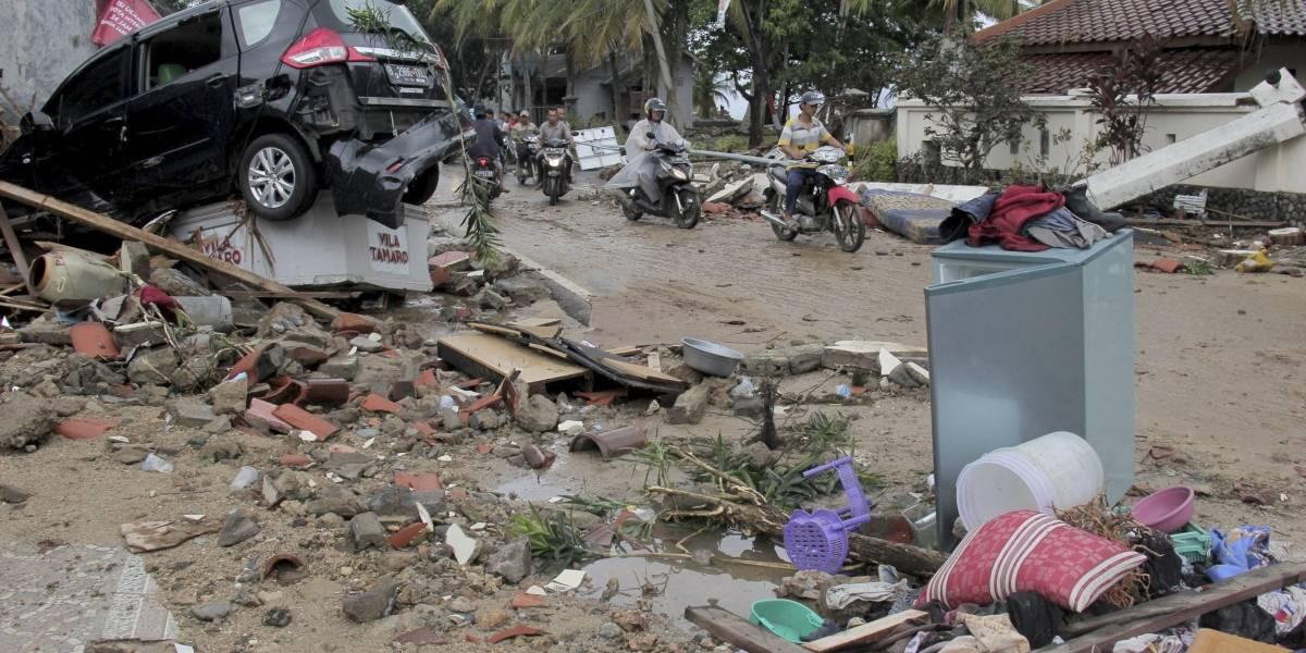 Aumenta a 373 muertos por tsunami en Indonesia