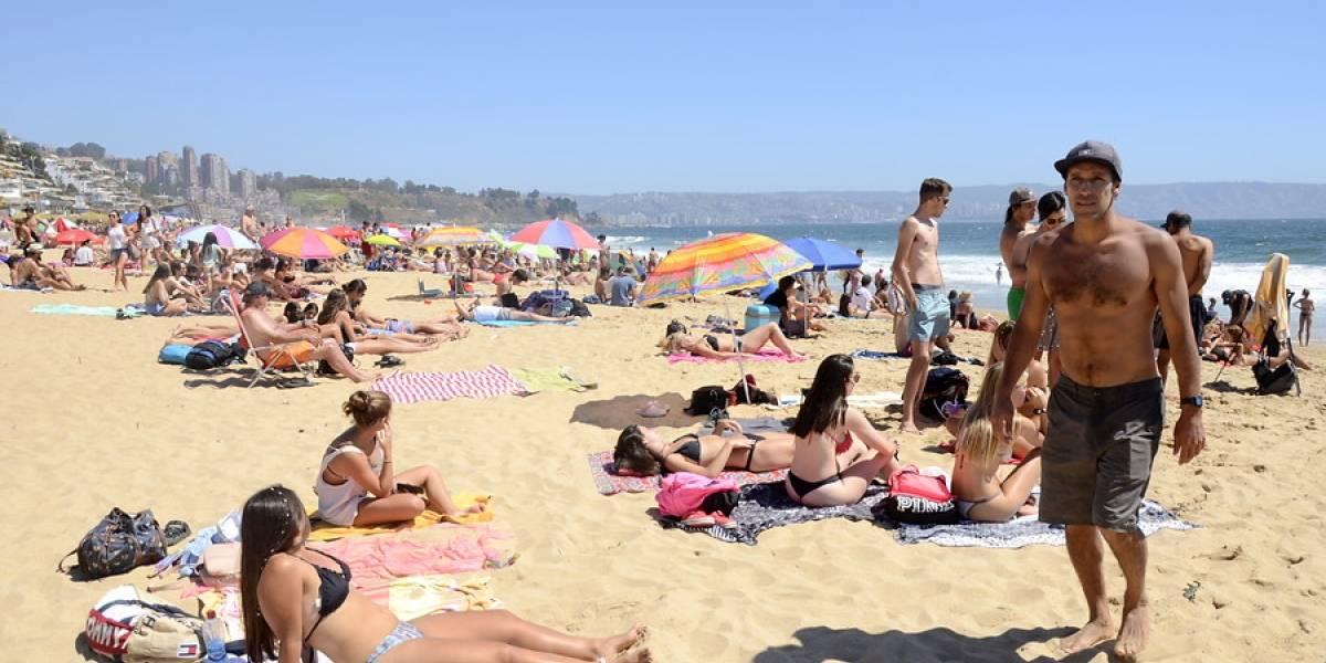 Destinos chilenos se destacan en el ranking de las mejores playas para esta temporada
