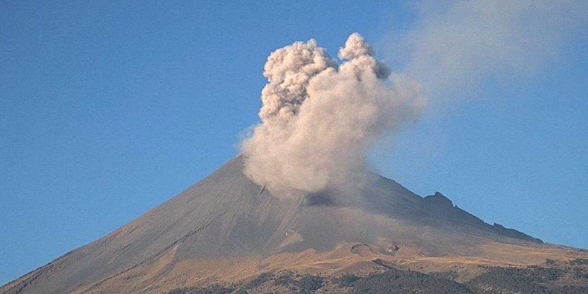 Volcán Popocatépetl se mantiene activo; registra 166 exhalaciones