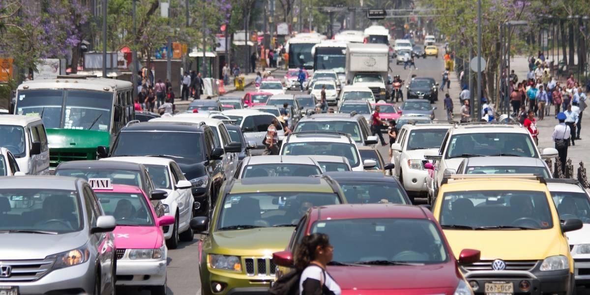 Meten reversa a automovilistas; van por más sanciones en CDMX