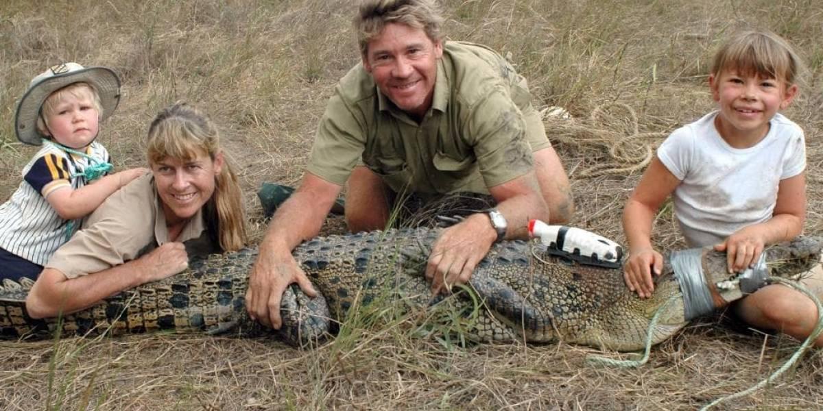 Hija de Steve Irwin acepta tener aún el corazón roto por la muerte de su padre