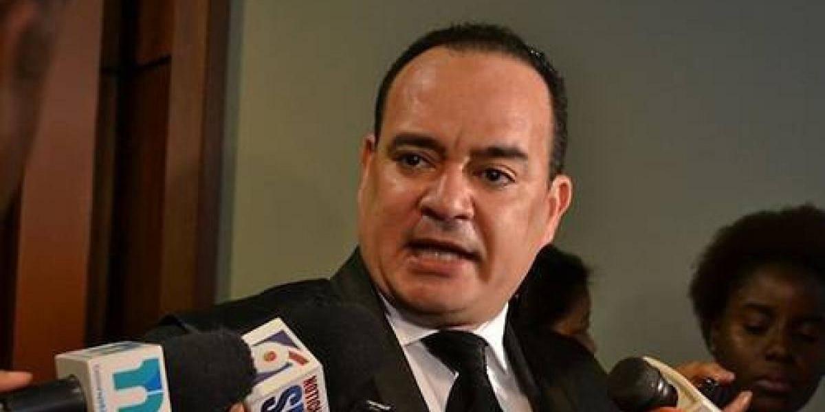 Colegio de Abogados pide sustituyan a Mariano Germán Mejía