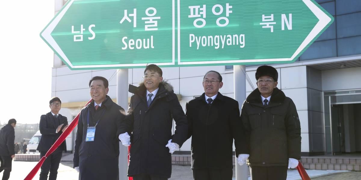 Las Coreas celebran su primera red ferroviaria