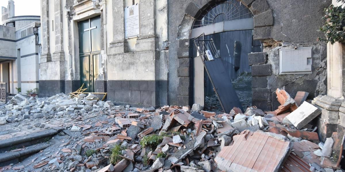 La ira del volcán Etna: las imágenes de destrucción que dejó el sismo 4.8 que remeció el este de Sicilia