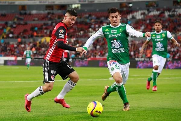 Juan Cornejo puede cambiar los colores del León de México por la UC / Foto: Agencia UNO