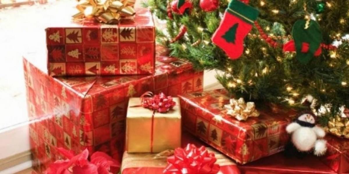 Niño se traga su regalo de Navidad por accidente