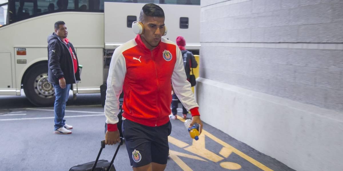 Carlos Salcido explicará su salida de Chivas y cuál será su futuro