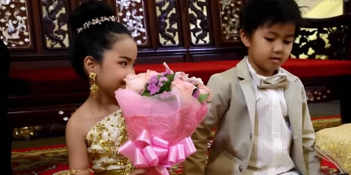 Gêmeos de 6 anos se casam na Tailândia para 'acerto de contas familiar'