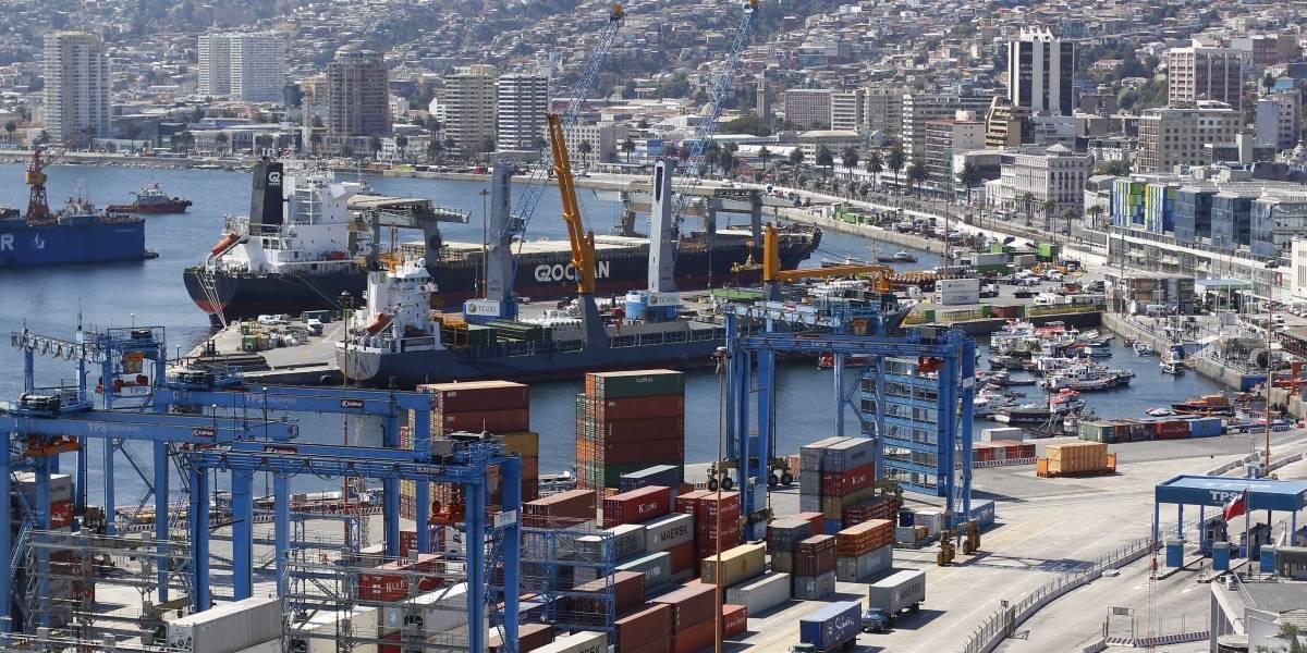 Comercio exterior de Chile aumenta 15% hasta noviembre y China es quien más nos compra y vende por lejos