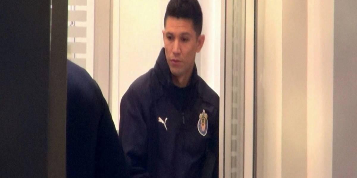 Jesús Molina realiza pruebas médicas y porta colores de Chivas