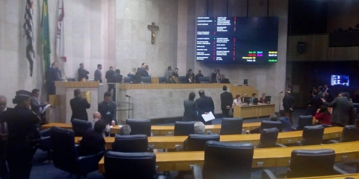 Em meio a protestos, Câmara aprova Reforma da Previdência Municipal