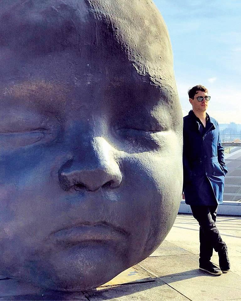 Em tour pela Europa, o arquiteto Junior Torezani Arquivo pessoal