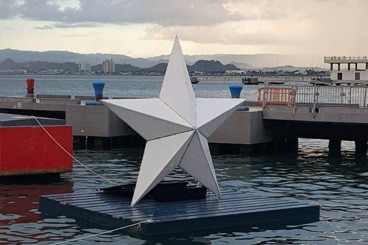 """Estrella de """"paz y esperanza"""" ilumina la Bahía de San Juan"""