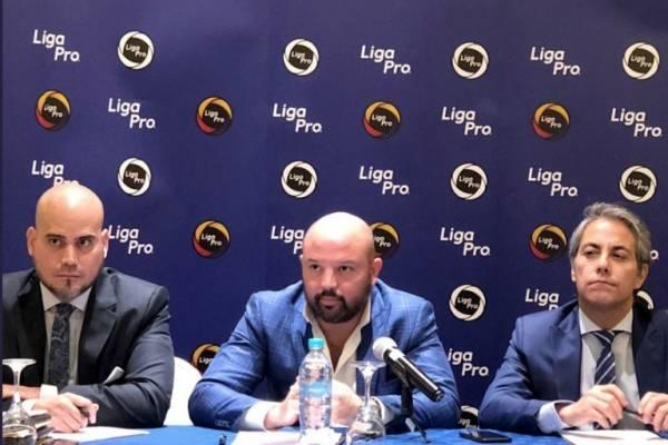 """Miguel Ángel Loor: """"La idea de tener cinco extranjeros se da por pedido de los clubes"""""""