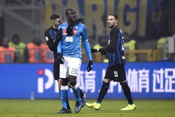 Koulibaly sufrió en el partido ante Inter de Milán / imagen: Getty Images