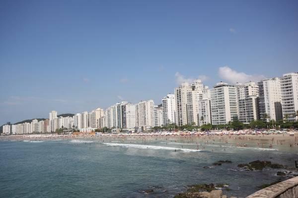 Praia de Pitangueiras, no Guarujá