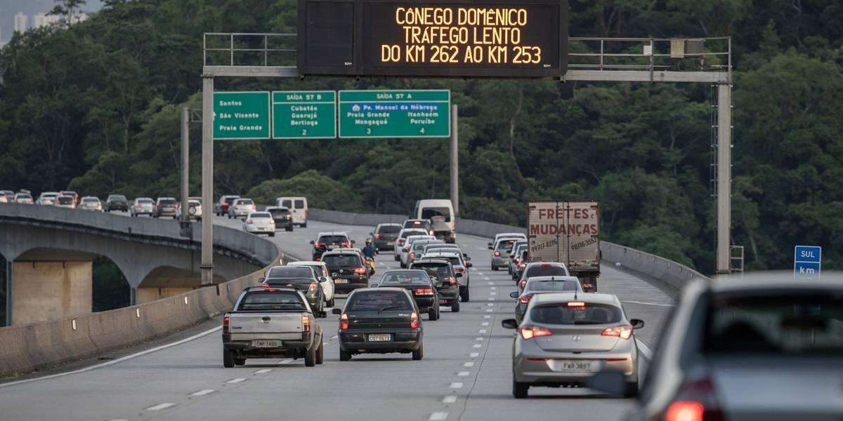 Obras na rodovia dos Imigrantes complicam chegada a São Paulo