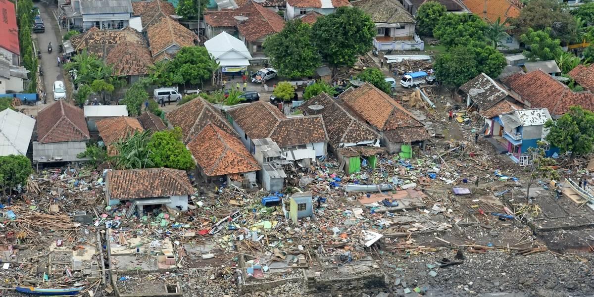Após tsunami, Indonésia enfrenta hospitais e necrotérios lotados