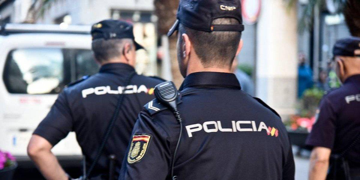 Resultado de imagen para La Policía española desarticuló una red que compraba pasaportes