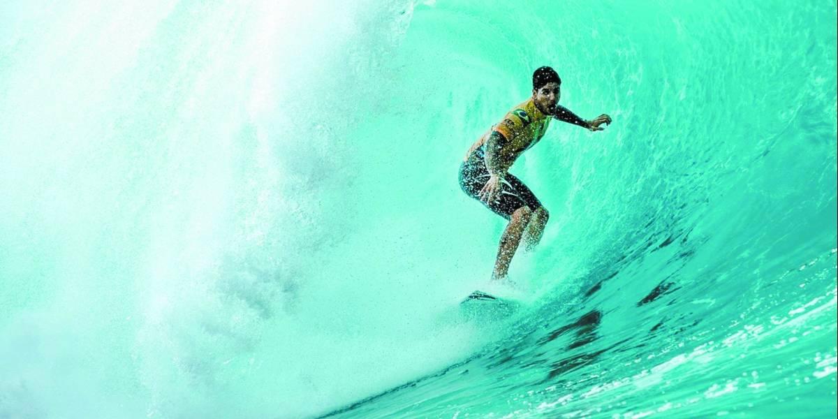 Com Medina e Italo na briga, etapa de surfe em Noronha define campeão no domingo