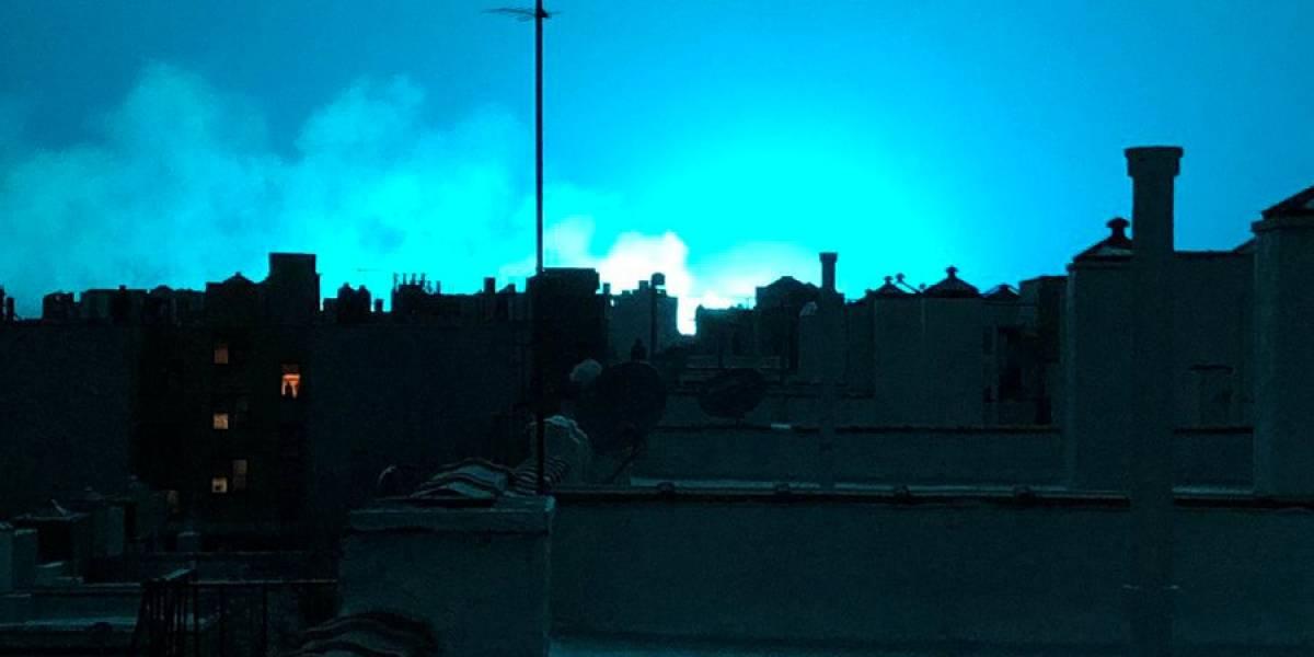 Explosão em estação elétrica causa clarão azul e assusta moradores de Nova York