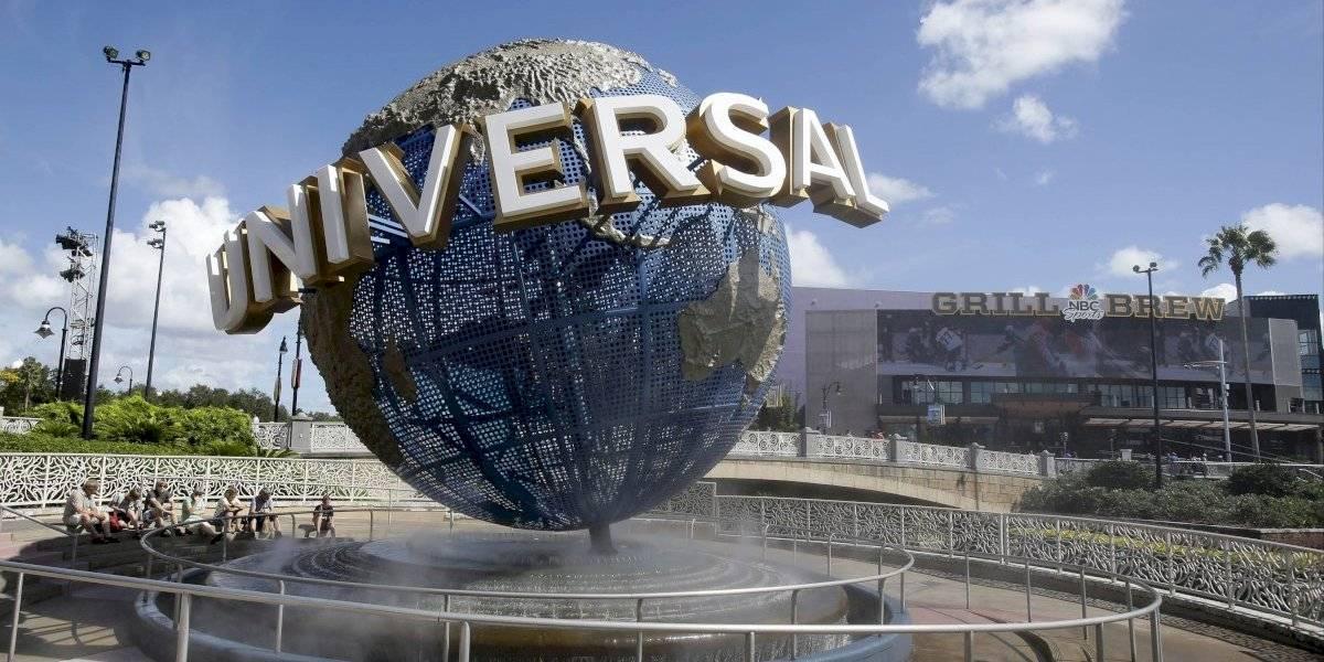 Universal sube el salario mínimo a $15 la hora y está reclutando para verano