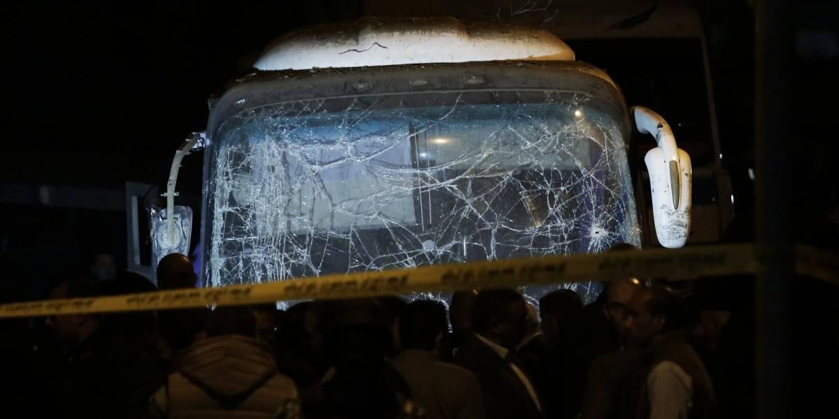 Explota bomba en autobús cerca de las Pirámides de Egipto