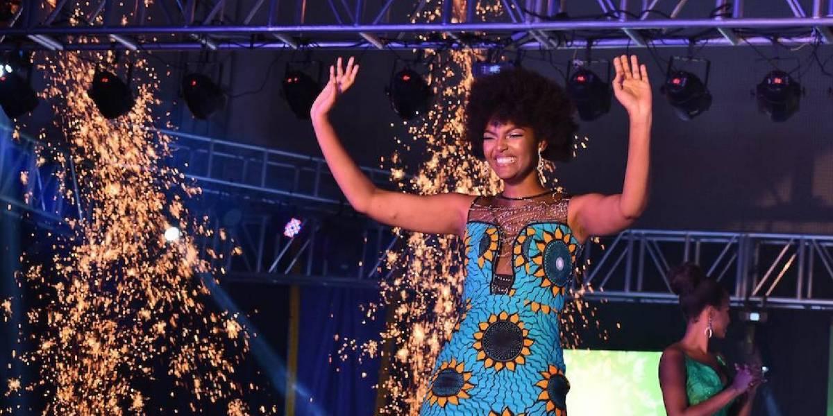 Miss África encendió el escenario durante su coronación: ¡Literalmente su cabello se incendió!