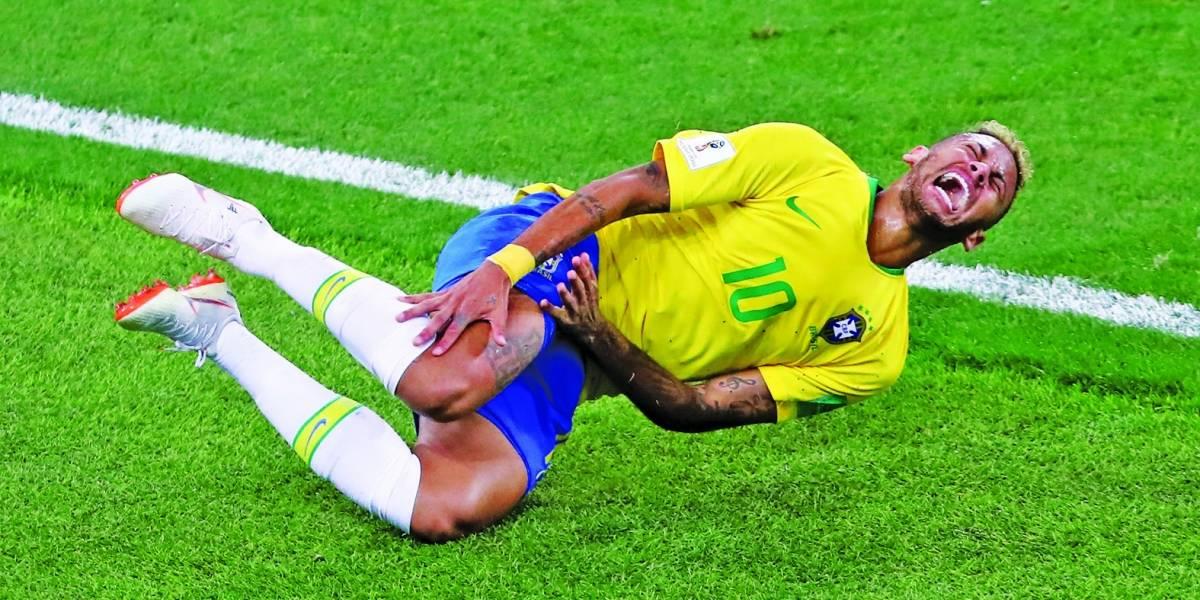 """Tite não convocará Neymar lesionado para amistosos da seleção: """"Perco meu emprego, mas não carrego essa responsabilidade"""""""