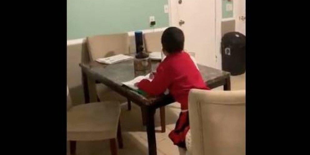 ¿Ya hace trampa a los 6 años?: lo mandan a hacer las tareas y le pregunta a un asistente virtual cuánto es 5 menos 3