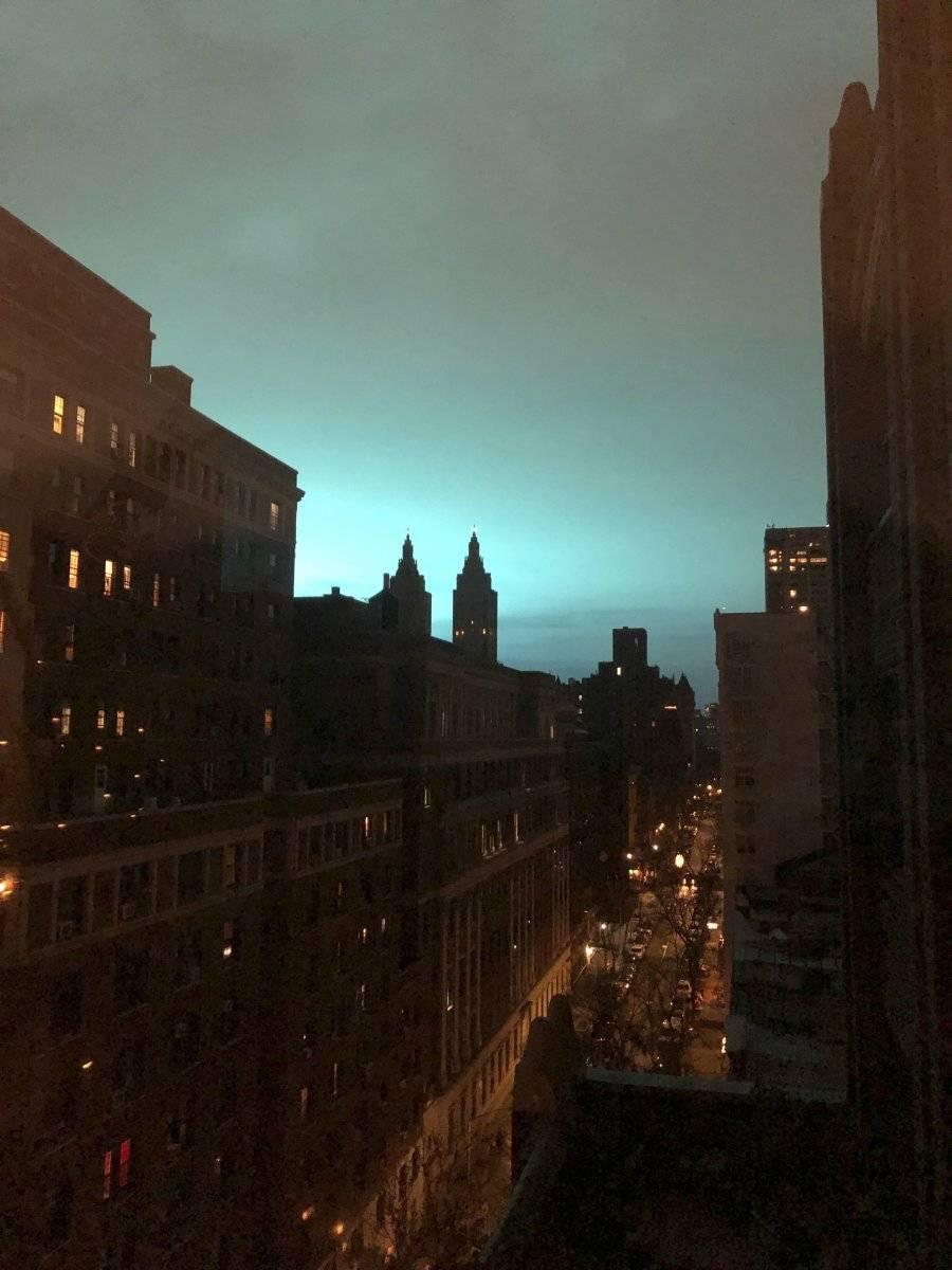 Esta fotografía muestra un tono azul en el cielo de Nueva York, AP