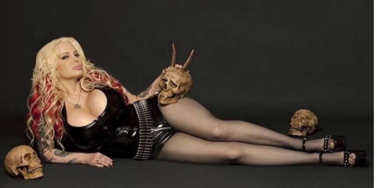 FOTOS: Así quedó Sabrina Sabrok tras una cirugía para tener el trasero más grande del mundo