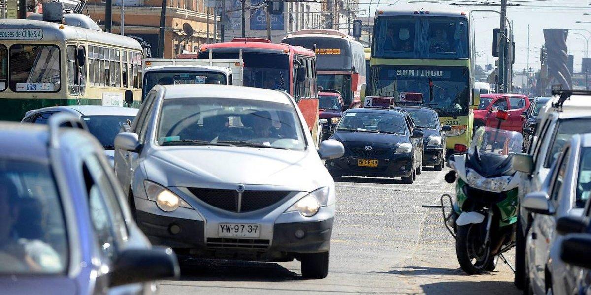 Prepárense, regiones: dos millones de santiaguinos en 553 mil autos los visitarán en Año Nuevo